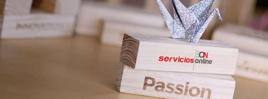 servicios.IO